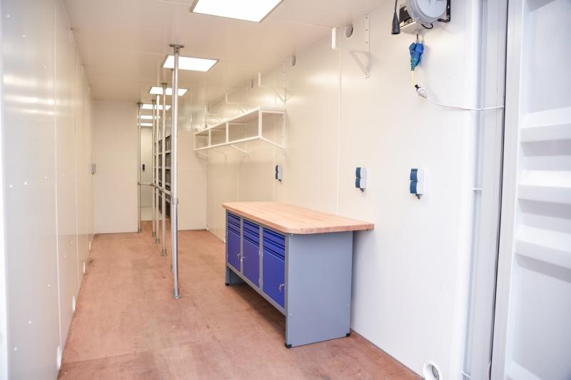 Combinatie van werkplaats en opslagruimte